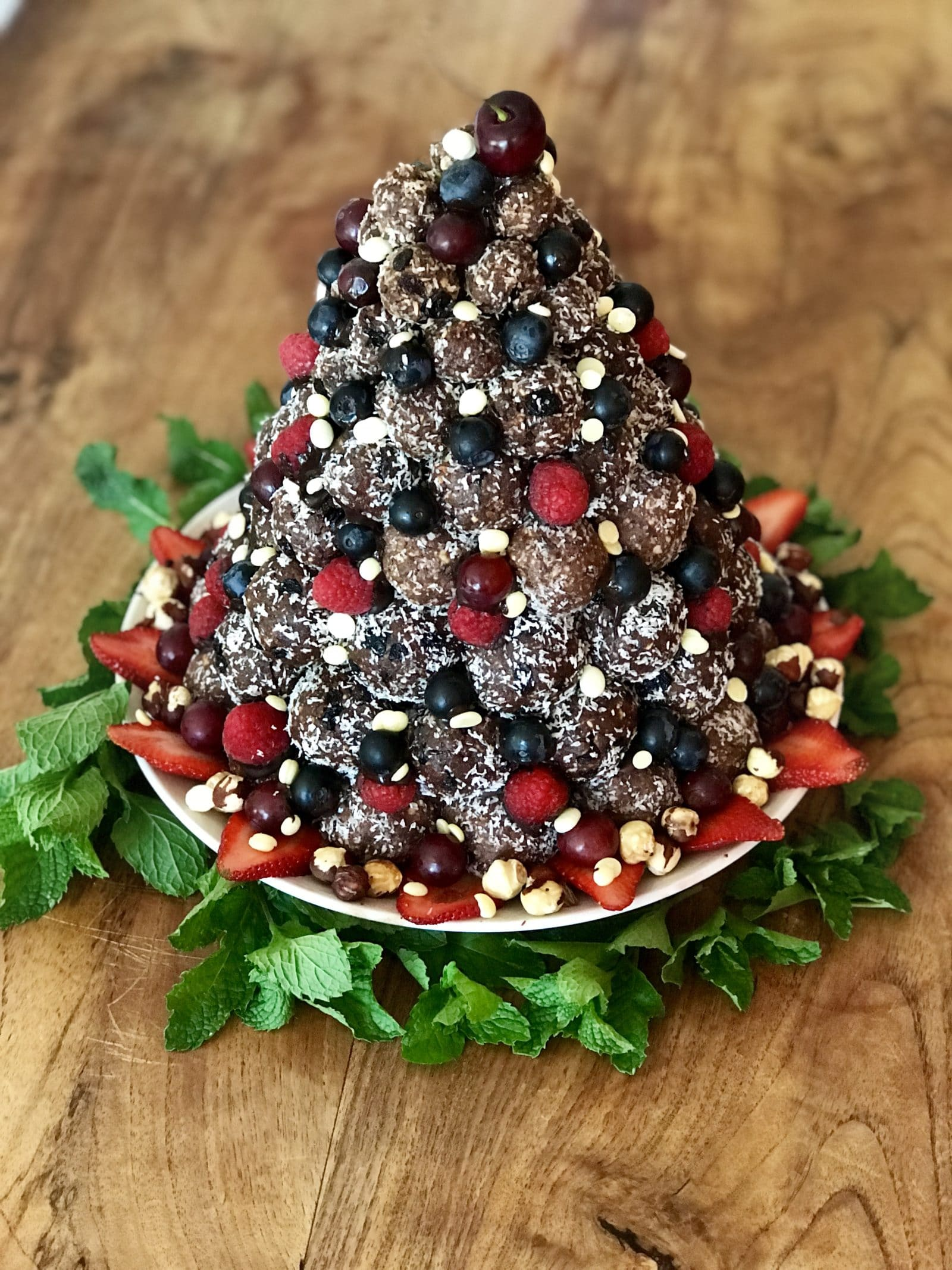 rum ball christmas tree | goodMix Superfoods
