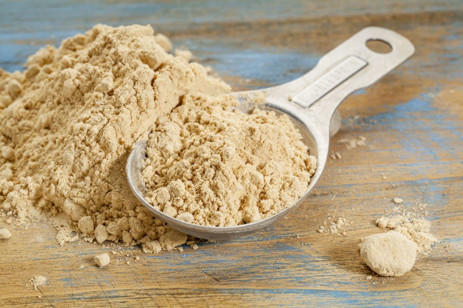 spoon with pile of maca powder | what is maca powder? | goodMix Superfoods