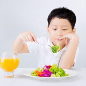 child looking at veg - greens powder for kids | goodMix